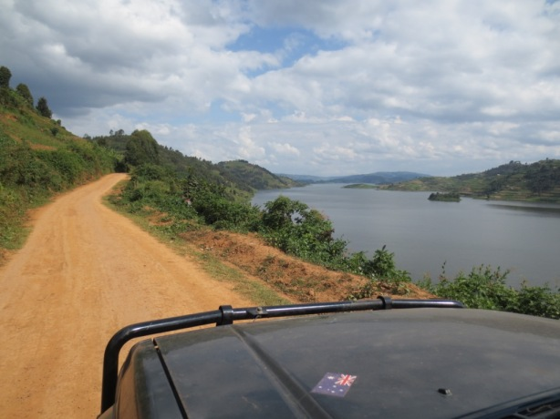 Drive along Lake Bunyoni